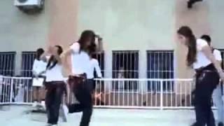 getlinkyoutube.com-رقص بنات الجامعه على اغنية قلب قلب