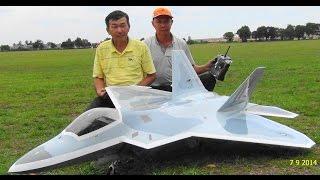 getlinkyoutube.com-F-22 Raptor Turbine Jet Maiden Flight - SM Aeromodels Team