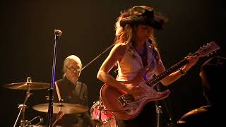 TOMOKO with Sapporo Chuck Berry Rock 'n' Roll Band.