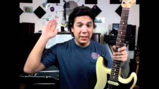 getlinkyoutube.com-Fender Sratocaster string changing tip! Quick tips #3