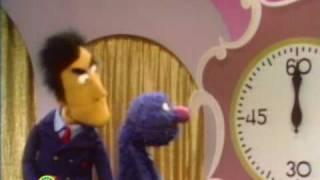 getlinkyoutube.com-Sesame Street: Grover Finds 5 Items To Beat The Game Show