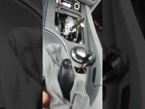 Снять средний консоль на БМВ 525i ...