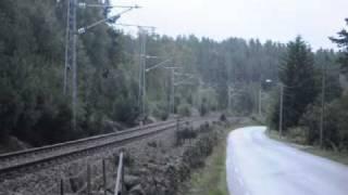 getlinkyoutube.com-Heavy diesel locomotive sound, at full throttle.