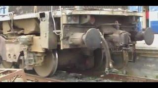 getlinkyoutube.com-Indian Railways : Hampi Express hits a truck, Original EMD Damaged !!