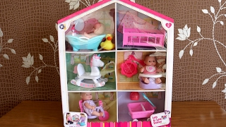 getlinkyoutube.com-Baby Dolls Bath Time  Bed time feeding time Play time Lots to love Babies House & Little girl