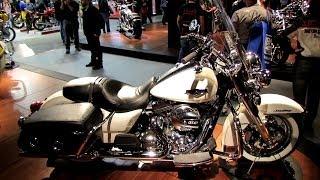 getlinkyoutube.com-2014 Harley-Davidson Road King Classic FLHRC Walkaround - 2013 EICMA Milan Motorcycle Exibition