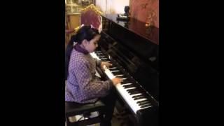 getlinkyoutube.com-سهر الليالى - عزف بيانو من بنت مصرية