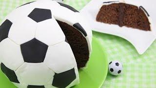 getlinkyoutube.com-Fußball-WM 2014 Fußball-Kuchen/ Fußball-Torte/ Soccer Cake/ Football Cake (Orangen-Schoko-Kuchen)