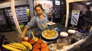 getlinkyoutube.com-ถนนคนเดินปาย เที่ยวแม่ฮ่องสอน - ลองชิมเครป ร้านเครปกระทะเหล็ก