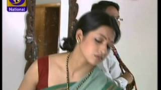 getlinkyoutube.com-Bollywood Serial Artist Very Deep Navel Show
