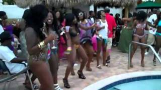 getlinkyoutube.com-IM A ZOE TV - LINDA POOL PARTY BIRTHDAY BASH 4-2011 BOOTY EVERY WHERE