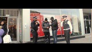 Un policier s'incruste dans une battle de Rap !!