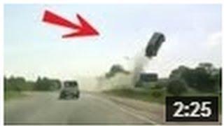 getlinkyoutube.com-CRASH ! Horrible accident, voiture volante !! INCROYABLE