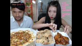 getlinkyoutube.com-피트니스요정) 남동생과 합동방송 피자헛 비비큐 먹방 eatingshow 150725