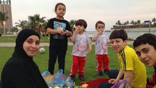 getlinkyoutube.com-لايفوتكم صور حصريا لعائله خالد مقداد في طشه على البحر