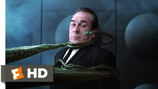 getlinkyoutube.com-Men in Black II - Someone I Need to Eat Scene (7/10) | Movieclips
