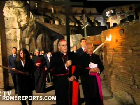 Pope attends Ways of the Cross at the Colosseum