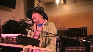 hinden Takahashi Hideki (ひんでん 高橋 秀樹) の 青江 三奈「伊勢佐木町ブルース」のピアノ弾き語り