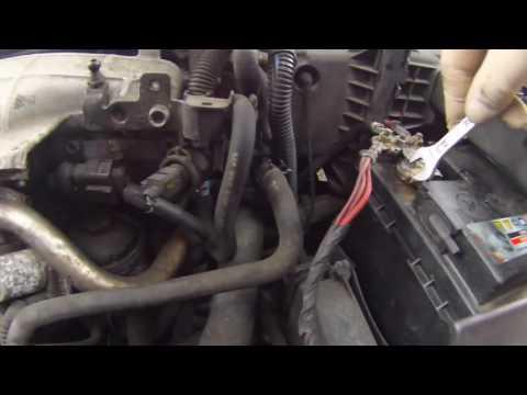 Где у Mini Ван находятся щетки генератора