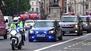 getlinkyoutube.com-Police & Secret Service escorting Michelle Obama in London