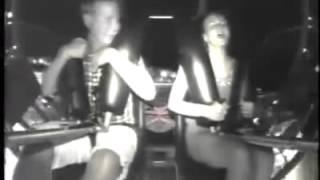 getlinkyoutube.com-Woman Has An Orgasm On Ride (Mujer tiene un orgasmo en una atracción)
