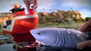 getlinkyoutube.com-Rescue Shark Ship - Mission Marine - Matchbox
