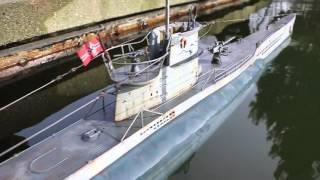 getlinkyoutube.com-R/C torpedo shot from U-boat 1/48 scale