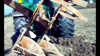 getlinkyoutube.com-INGRUMAMENTO ARATRO  (Ploughing Disaster)