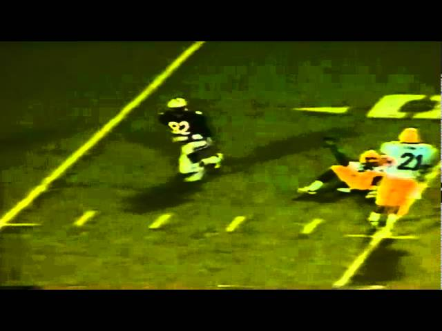 Oregon CB Chris Oldham knocks away a deep pass vs. Arizona 11-12-1988