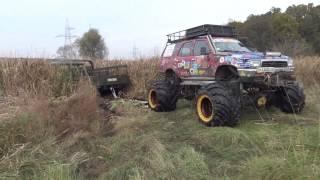 getlinkyoutube.com-Toyota Bomb reed riding rescue GAZ 66 off-road 4x4