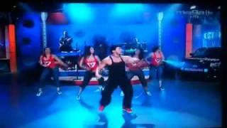 """getlinkyoutube.com-Beto bailando Zumba® en """"Esta Noche Tonight"""""""