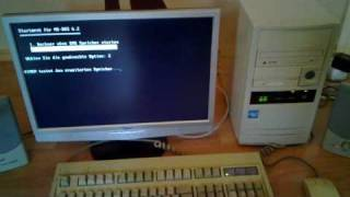 getlinkyoutube.com-Vintage Intel 486DX2 / 66MHz, Vesa Local, 32 MB , 800MB