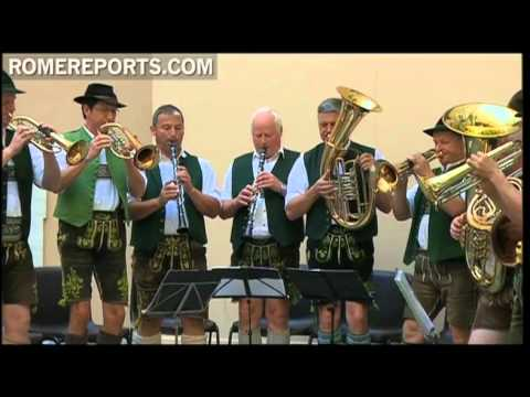 Pope receives a concert with traditional German dancers in Castel Gandolfo