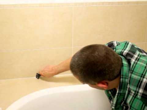 Come rimuovere le tracce di silicone dai pavimenti fai - Pulire fughe piastrelle aceto ...