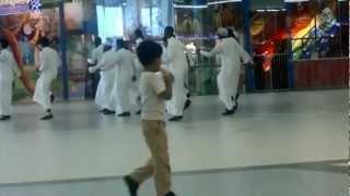 getlinkyoutube.com-رقص سامبا في هيفاء مول