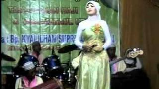 Jilbab Putih view on youtube.com tube online.
