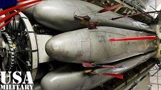 getlinkyoutube.com-B-52爆撃機の爆弾倉 核ミサイル(AGM-86)搭載 回転式ランチャー