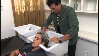 getlinkyoutube.com-Esquadrão da Moda - Rodrigo Cintra alonga cabelo de participante