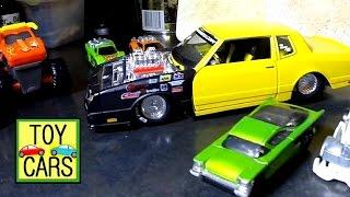 getlinkyoutube.com-TOY CARS JUMP OFF STUFF! Hot Wheels ACTION! KIDS FUN!