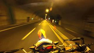 getlinkyoutube.com-Ktm 690 smc r top speed 200 km and WHEELI