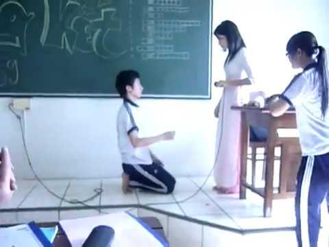 Nam sinh tỏ tình cô giáo - Chuyện Lạ có thiệt