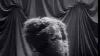 getlinkyoutube.com-Queen - The Show Must Go On (Official Video)