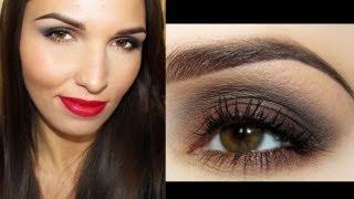 Makijaż: Bewitching Beauty (Mocne oczy i krwiste usta)