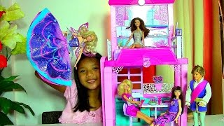 getlinkyoutube.com-Barbie Glam Vacation House Monster High Clawdeen Wolf Scares Barbie Dolls