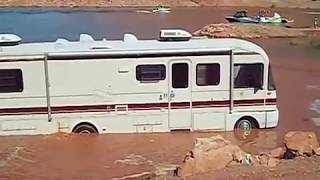 getlinkyoutube.com-Motorhome Mud Bogging