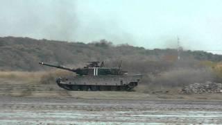 getlinkyoutube.com-90式戦車・74式戦車・89式装甲戦闘車の走行性能展示