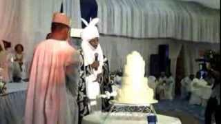 Video:Drama: CBN Gov Lamido Supervises Cutting of Cake as Mahmud Weds Fauziyya