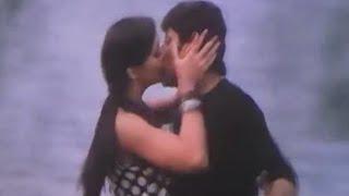 getlinkyoutube.com-I - Vikram And Amy Jackson Kissing Scene