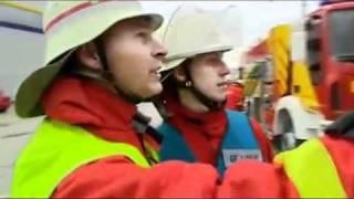 getlinkyoutube.com-lính chữa cháy nhanh và chuyên nghiệp thật.