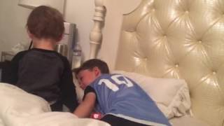 getlinkyoutube.com-Zeb waking up Curren 2017